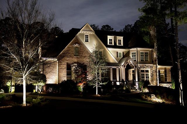 osvětlený dům.jpg