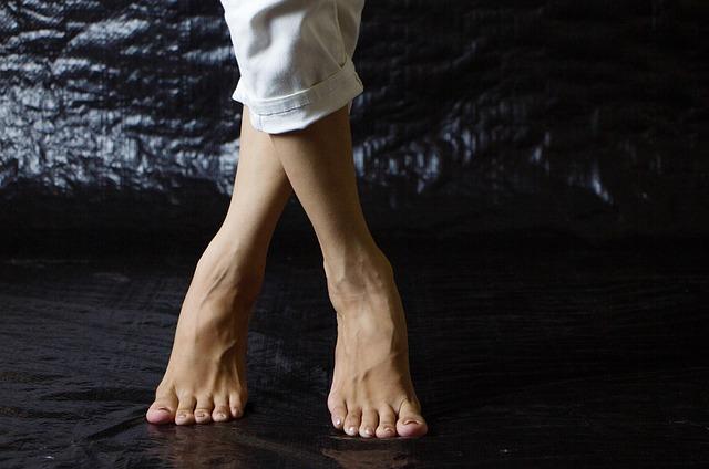 překřížené nohy