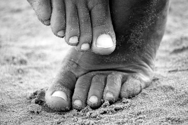 nohy od písku